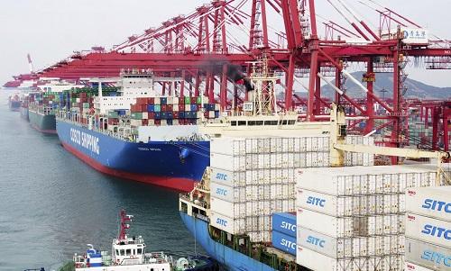 """چین کا امریکہ سے درآمد کی جانے والی"""" چند مصنوعات"""" کو محصولاتی فہرست سے خارج کرنے کا فیصلہ"""