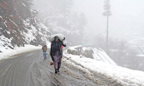 ملک کے بالائی علاقوں میں برف باری کے بعد سردی کی شدت میں اضافہ