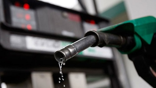 پیٹرول کی قیمت میں 4 روپے سے زائد اضافے کا امکان
