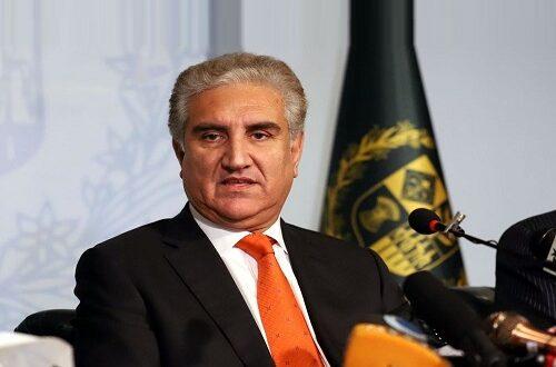 پاکستان دہشت گردی کے خلاف جنگ میں سری لنکا کے شانہ بشانہ کھڑا ہے۔ وزیر خارجہ