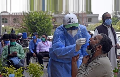 ملک میں کورونا وائرس سے مزید 100 سے زائد افراد جاں بحق