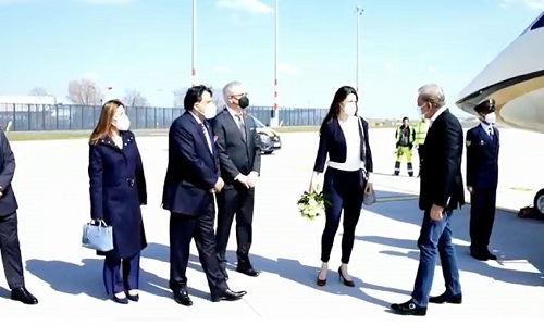 وزیر خارجہ شاہ محمود قریشی دوروزہ سرکاری دورے پر برلن پہنچ گئے