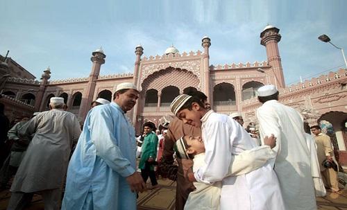 ملک بھر میں آج عید الاضحیٰ مذہبی جوش و جذبے کیساتھ منائی گئی