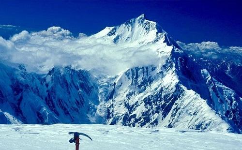 راکاپوشی پر پھنسے 3 کوہ پیما 600 میٹر نیچے اترنے میں کامیاب